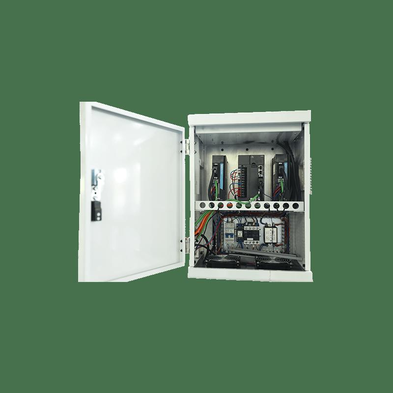 Трехосный привод с открытой электрической коробкой